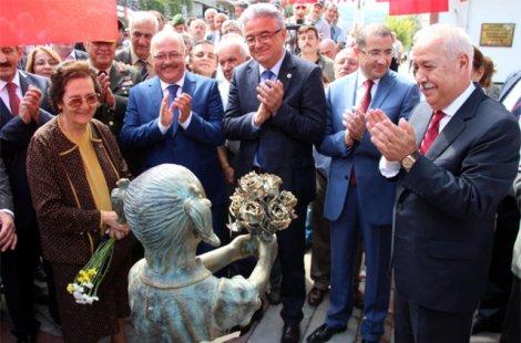Открытие памятника в городе Зонгулдаг